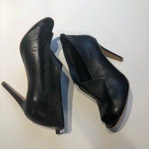 Halogen size 8 peeptoe Black Leather rowen bootie